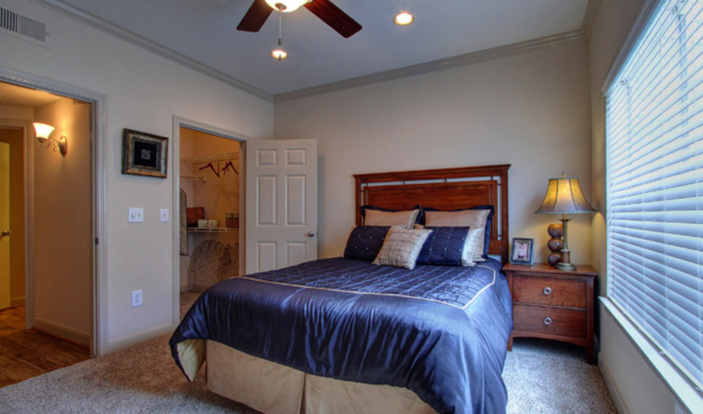 Bedroom at Listing #139718