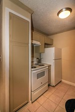 Kitchen at Listing #136551