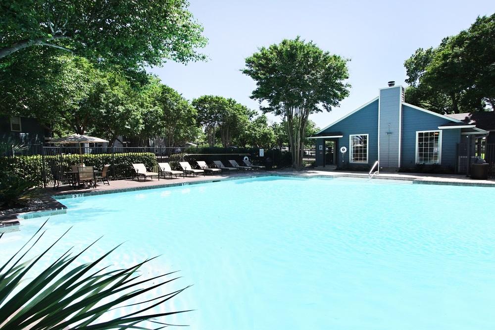 Pool at Listing #140574
