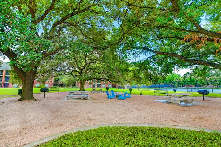 Picnic Area at Listing #139717