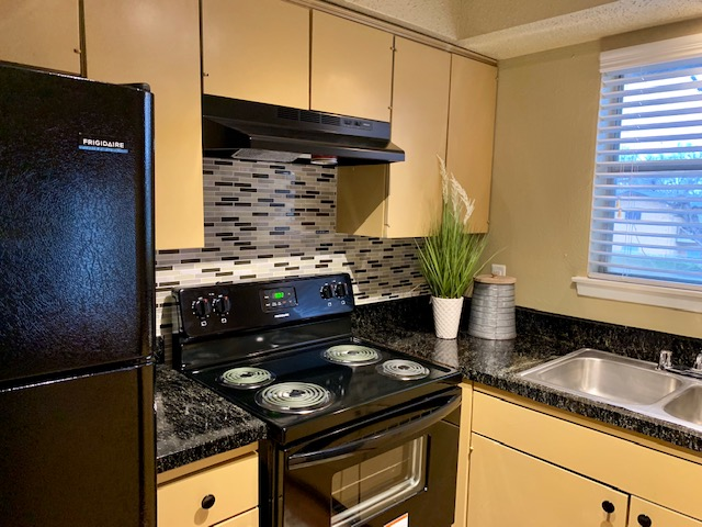 Kitchen at Listing #136586