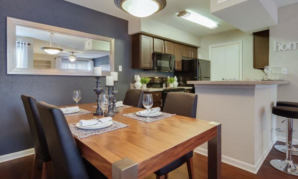Dining/Kitchen at Listing #138522