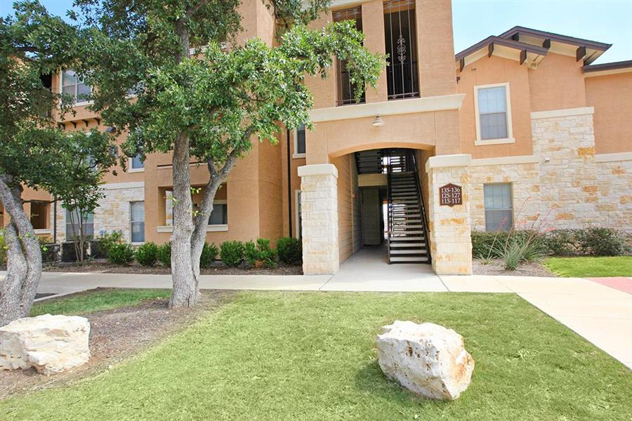 Exterior at Listing #147773