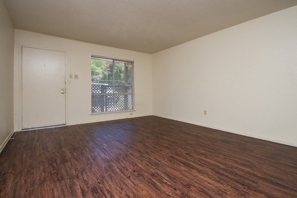 Living at Listing #139348