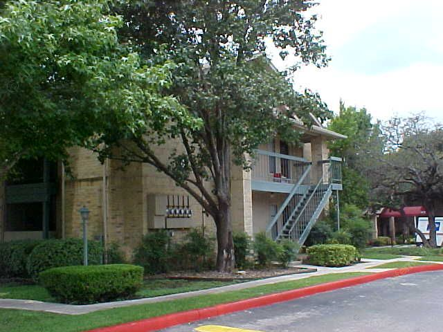Exterior at Listing #140897