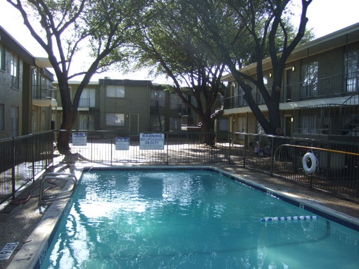El Sol Del Lago Apartments