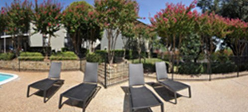 Lounge at Listing #137625