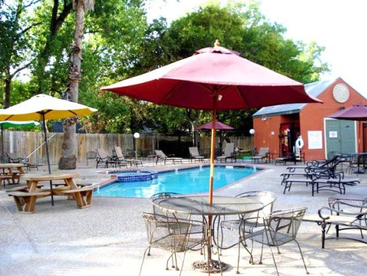 Pool at Listing #140568