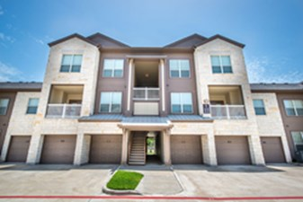 Exterior at Listing #144625