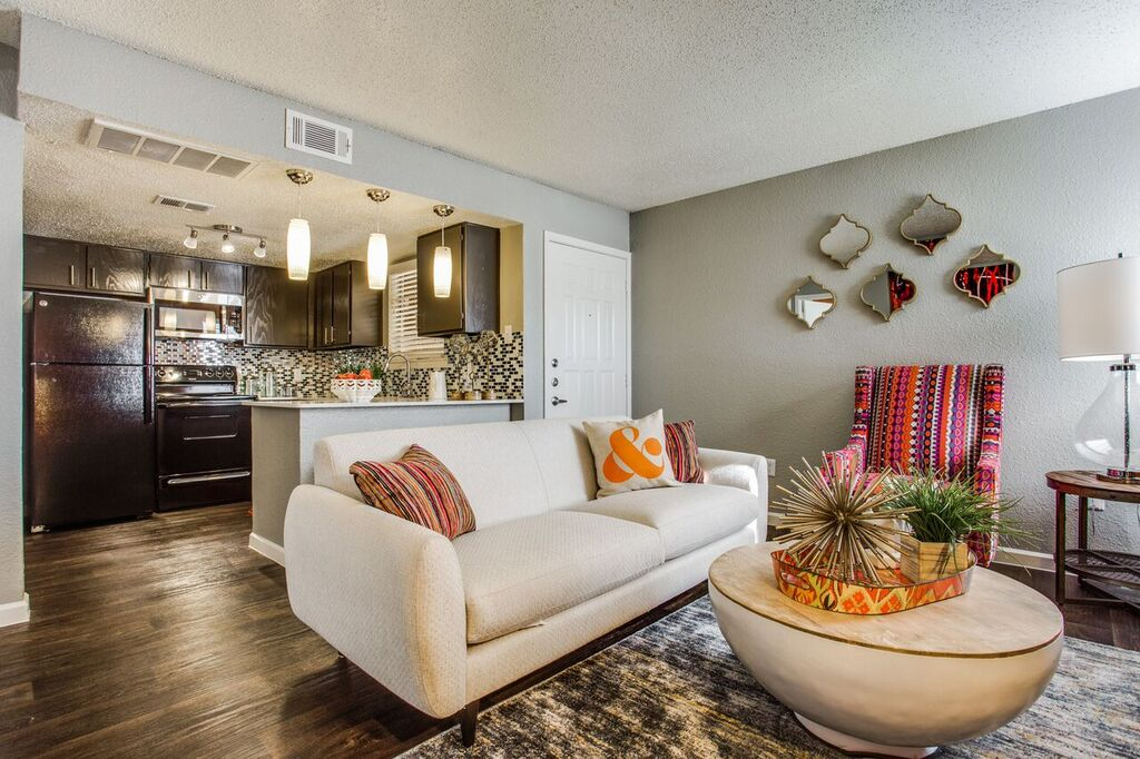 Living/Kitchen at Listing #136817