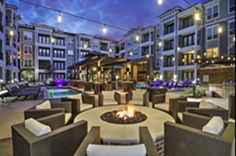 Fire Pit at Listing #267803