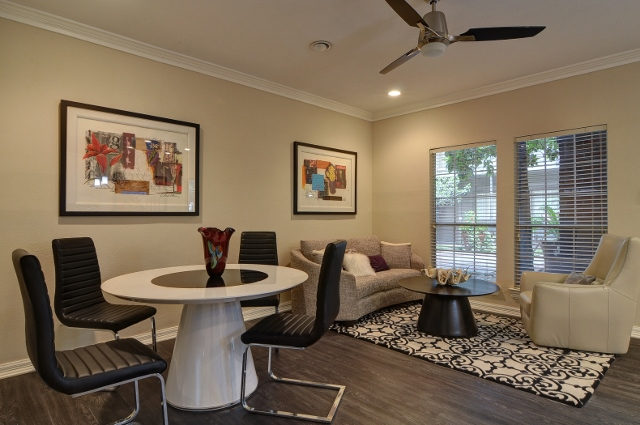 Living at Listing #136264
