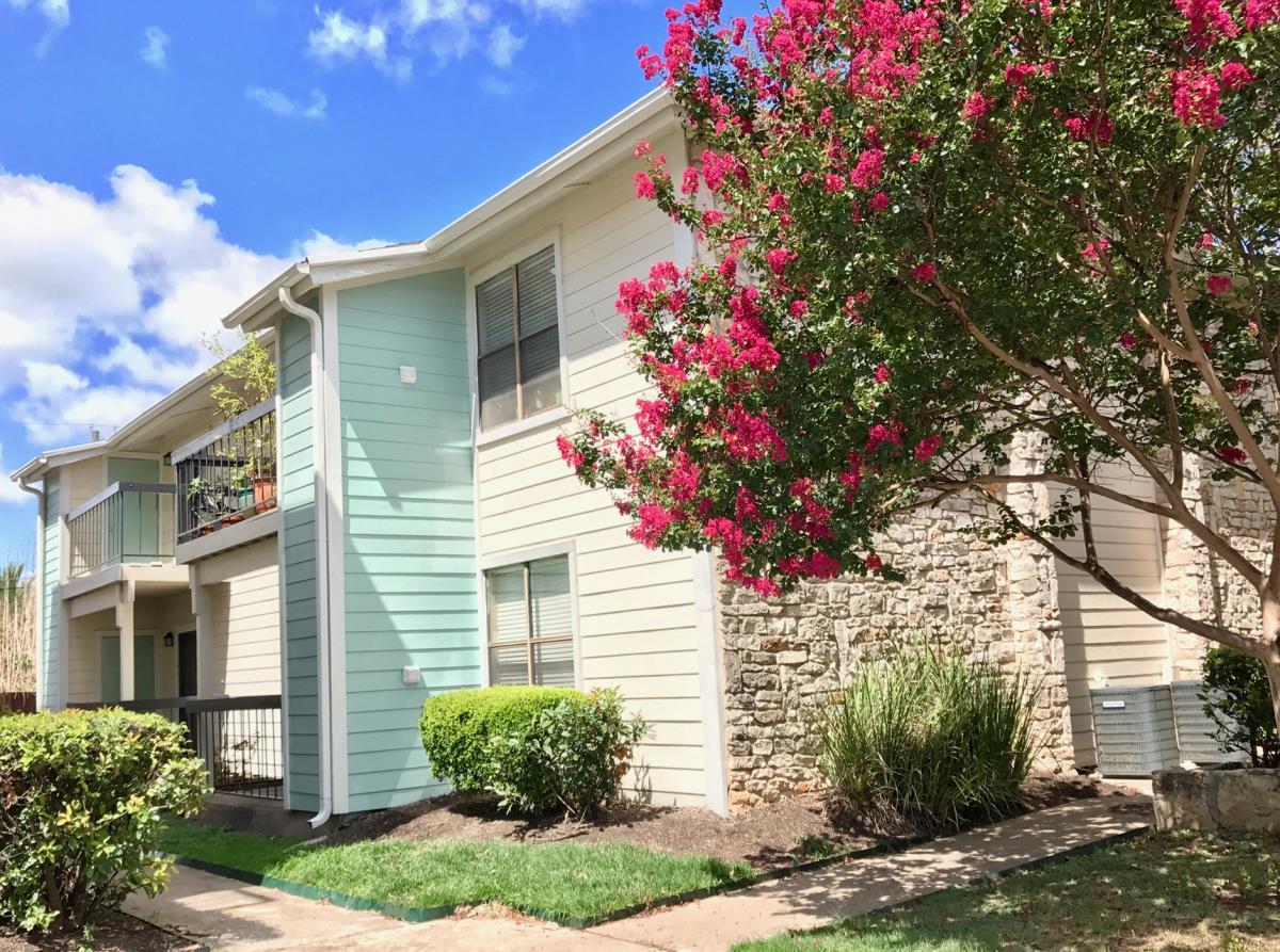 Avesta Lamar Station Apartments Austin, TX
