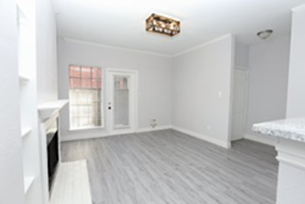 Living at Listing #138702