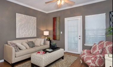 Living Room at Listing #140669