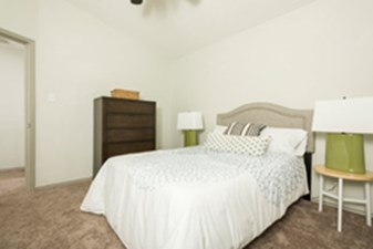 Bedroom at Listing #141293