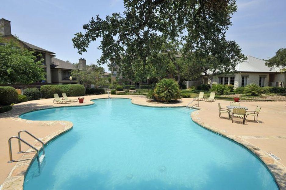 Pool at Listing #141444