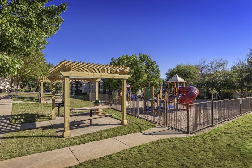 Picnic Area at Listing #140675
