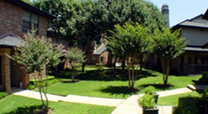 Courtyard at Listing #137556