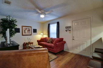 Living at Listing #140895