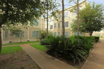 Courtyard at Listing #140107
