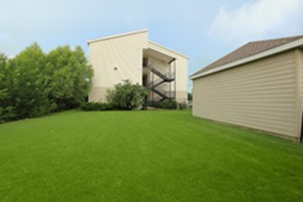 Exterior at Listing #140107