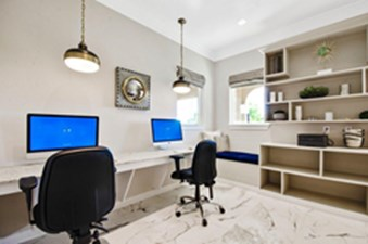 Business Center at Listing #298134