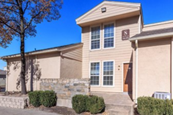 Exterior at Listing #145866