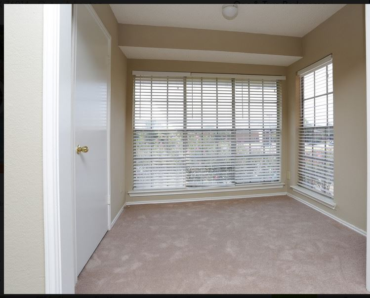 Sunroom at Listing #136827