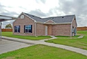 Exterior 4 at Listing #144953
