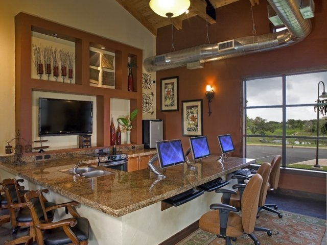 Business Center at Listing #146124