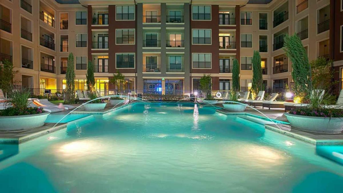 Pool at Listing #150734
