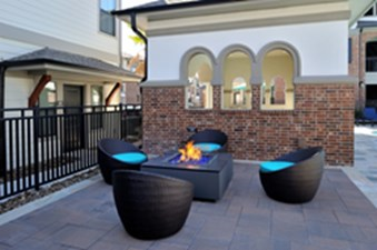 Fire Pit at Listing #268377