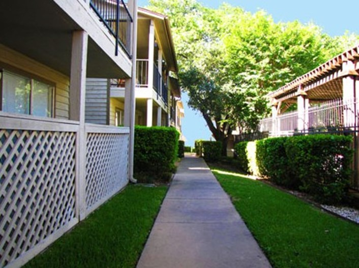 9500 Apartments