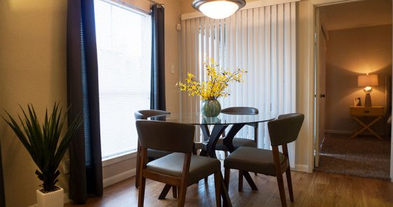 Dining at Listing #139902