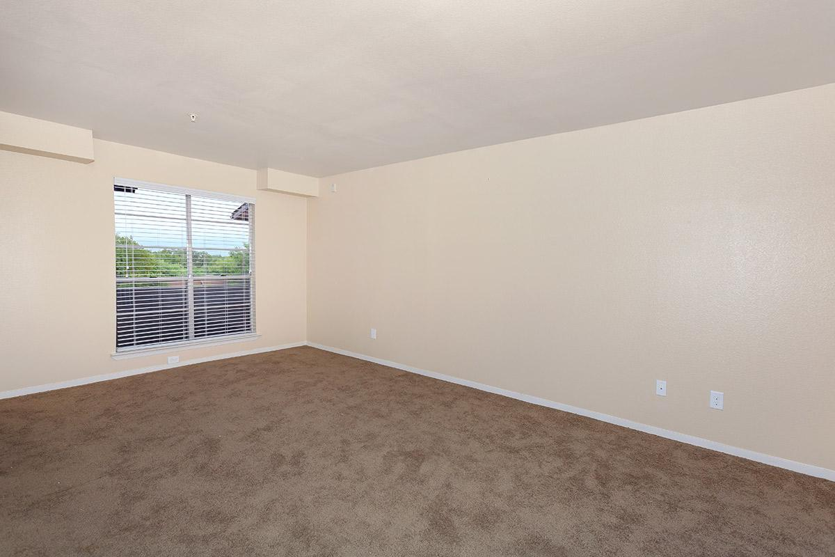 Living at Listing #137059