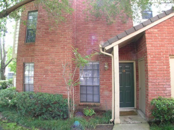 Exterior at Listing #139912