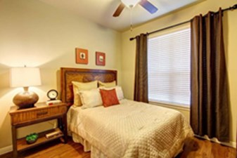 Bedroom at Listing #151479