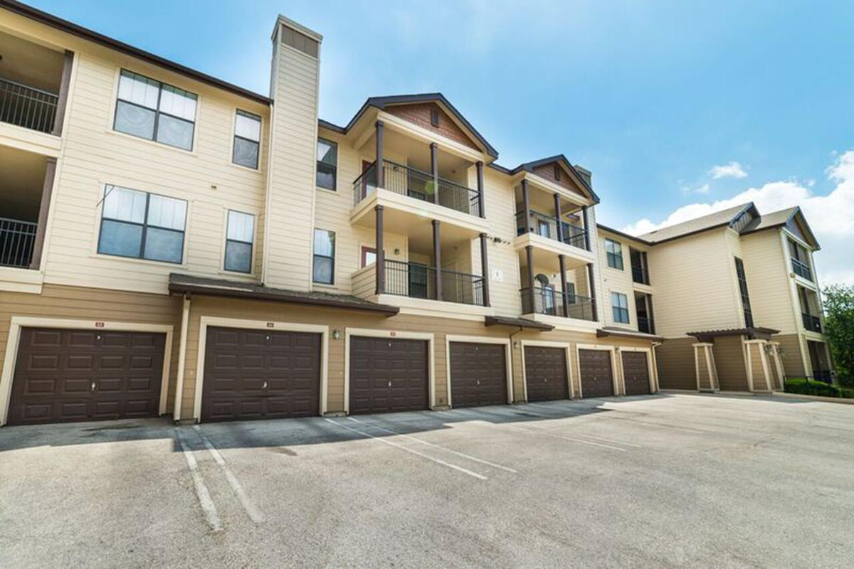 Heritage Apartments Live Oak, TX