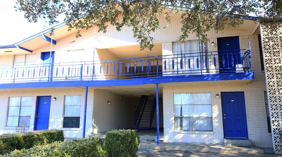 Exterior at Listing #136664