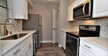 Kitchen at Listing #140499