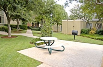 Exterior at Listing #136812