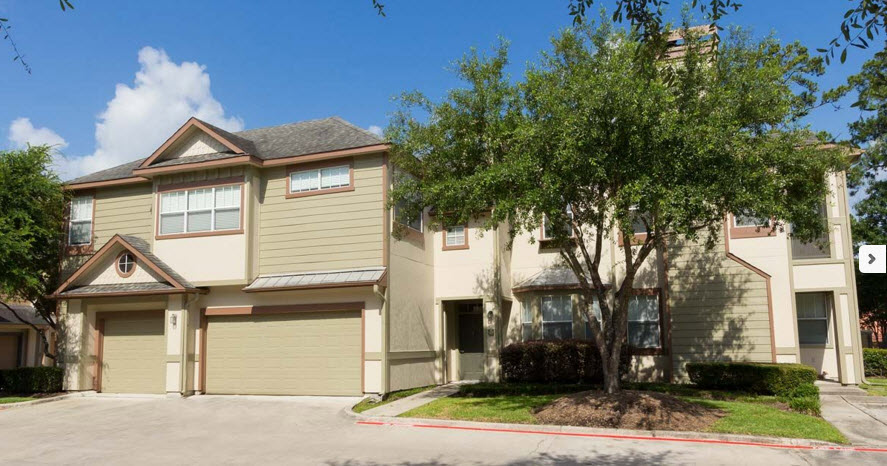 Exterior at Listing #138653