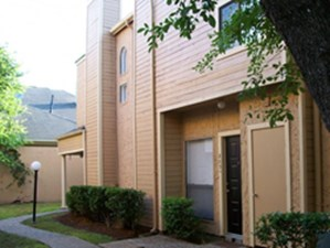 Exterior at Listing #139812