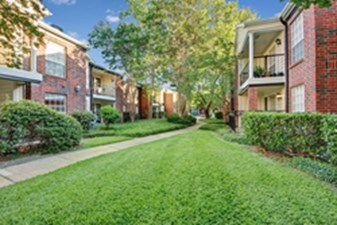 Courtyard at Listing #136304