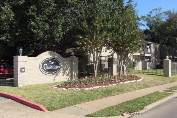 Cambridge Apartments Angleton TX