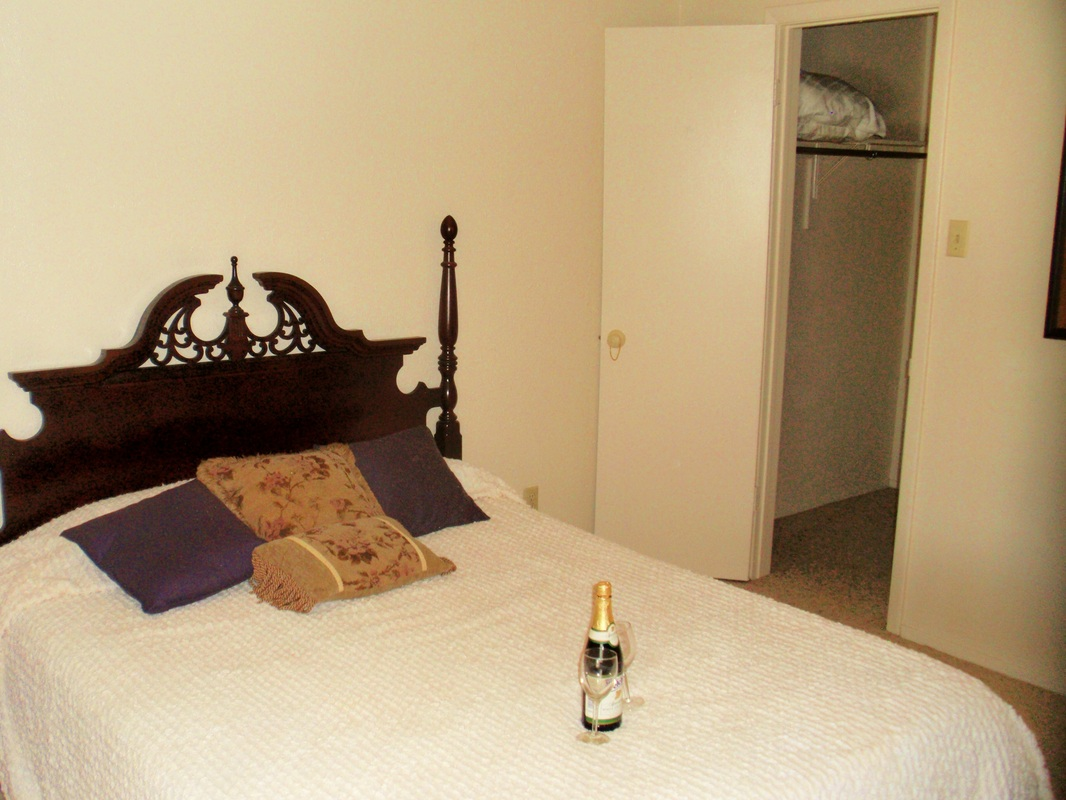 Bedroom at Listing #136432