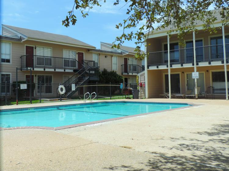 Pool at Listing #141193