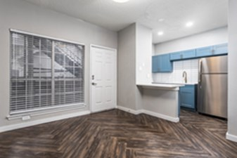Living/Kitchen at Listing #140360