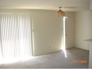 Living Room at Listing #137466